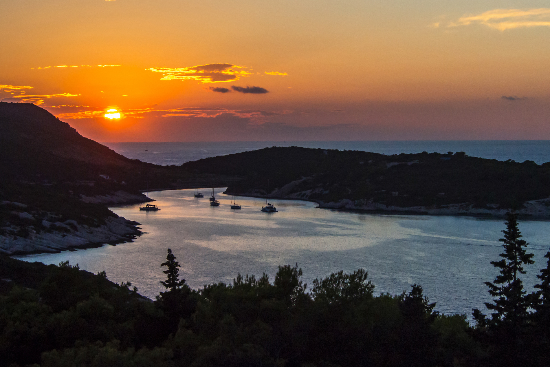 Ford George, Island of Vis, Sunset